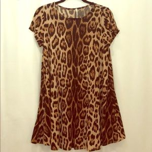 Leopard print dress size small with pockets